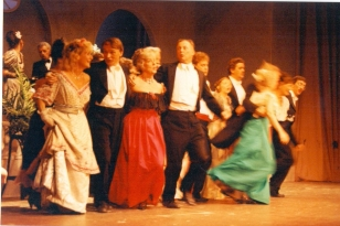 1990 La Vie Parisienne 3
